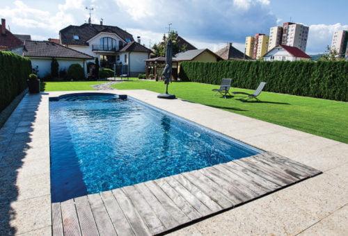 backyard swimming pool cost