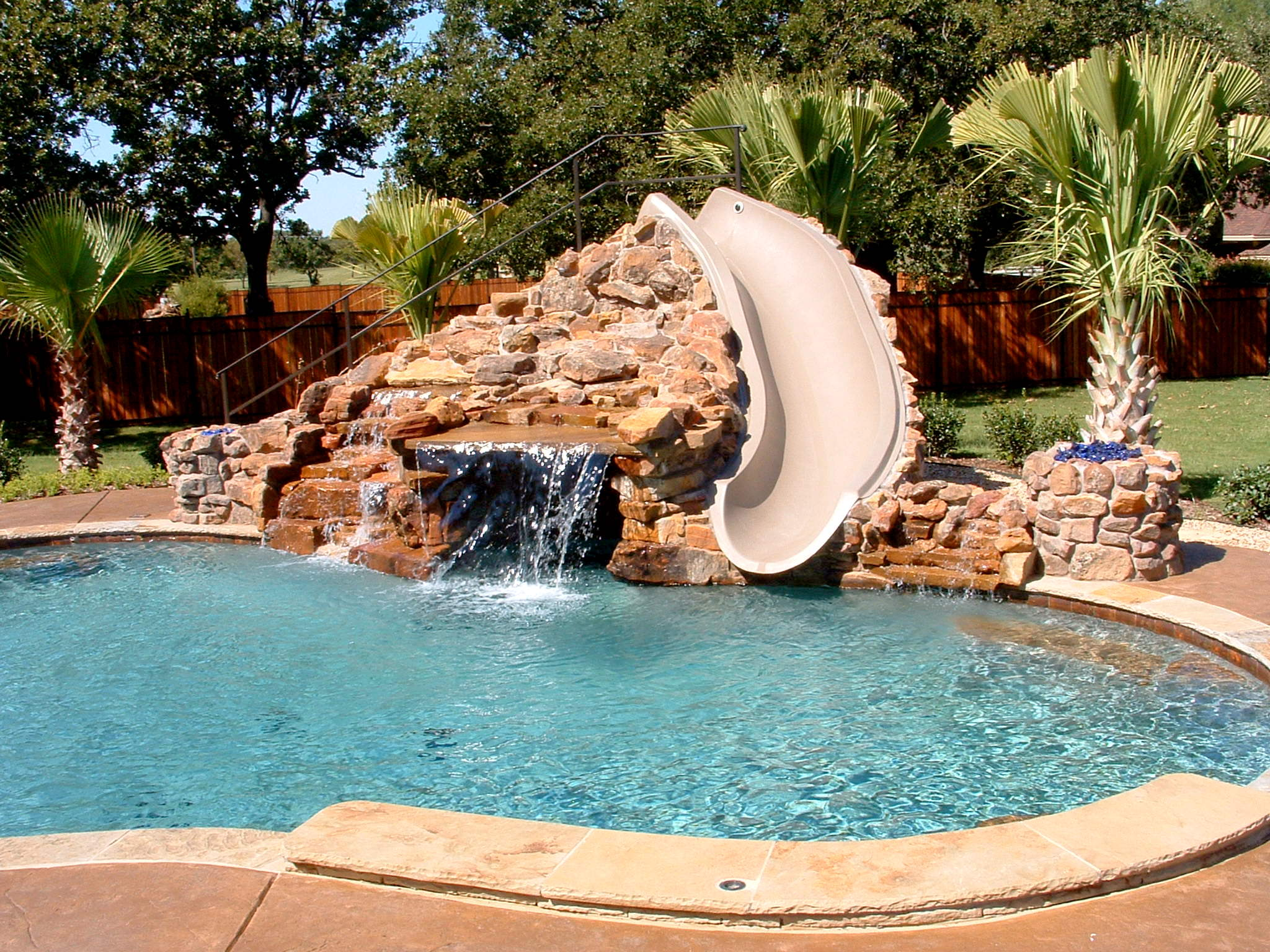 Awesome Small Swimming Pool Design