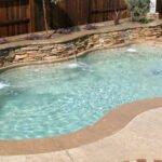 pool contractors medford oregon